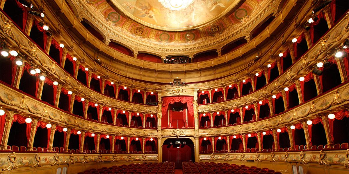 opera - Photo